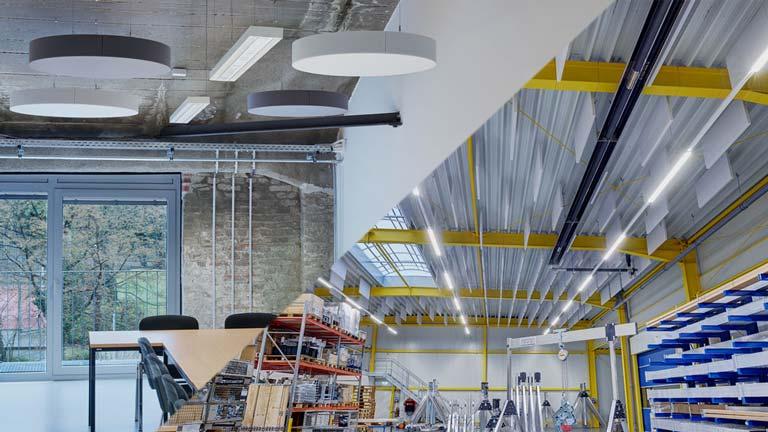 aixFOAM Premium lydabsorbenter i kontorer og industrihaller